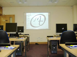IT/Computer Room Hire in Belfast City Centre (Opposite Europa Hotel) - Call now to book